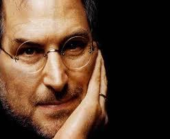 Đồng sáng lập và là CEO cũ Apple là Steve Jobs đã chết ở tuổi 56